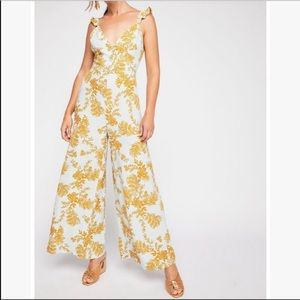 Free people floral jumpsuit size 10 (fits like 6)